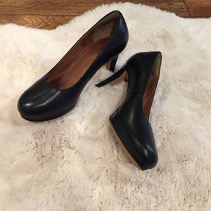 Clarks Black Leather Pump Heels Shoes